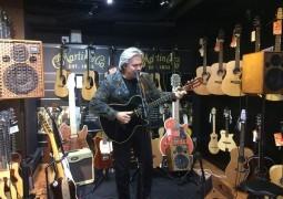 Doyle Dykes (guitariste, démonstrateur Godin) – Interview