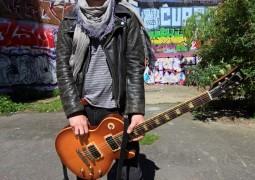 Samy Docteur (professeur de guitare à la Woodbrass Music School) – Interview